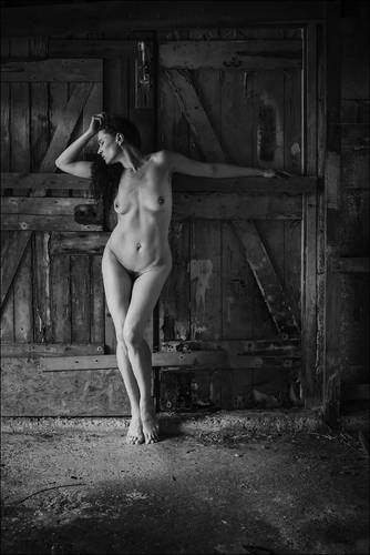 photographer Newbiese art nude modelling photo with Not on AdultFolio