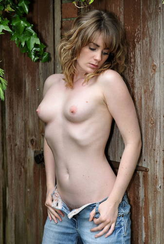 photographer Biggles485 topless modelling photo with Not on AdultFolio