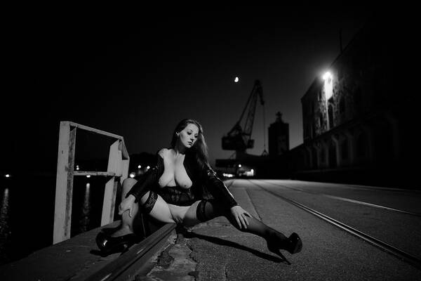 photographer Peter Gruener open leg modelling photo with Not on AdultFolio